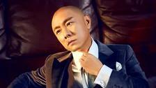 张卫健晒优雅绅士写真!新剧播出破2亿
